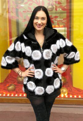 Норковая вязанная куртка с оригинальным узором